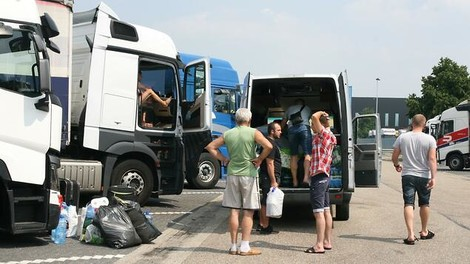 """Die """"Wanderarbeiter"""" Europas - Das schmutzige Geschäft mit den Fernfahrern"""