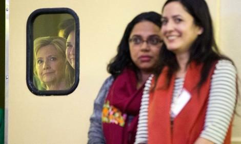Warum ist Hillary Clinton gerade bei jungen Frauen so unbeliebt? Über ein politisches Paradox