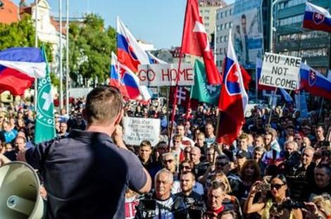 Nach den Wahlen in der Slowakei: Die Extremisten und die Anderen
