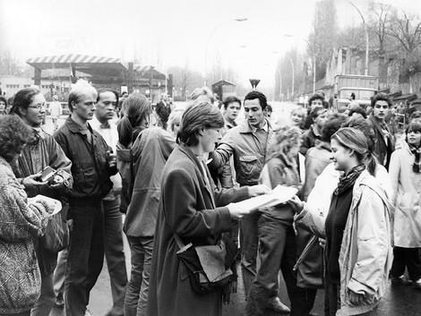 Es gab zur Wendezeit eine Frauenbewegung in der DDR. Die war mutig, vielfältig und der BRD voraus.