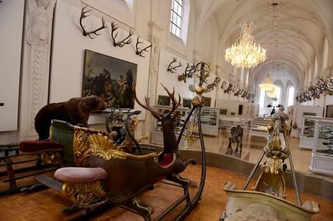 Was das Jagdmuseum und die Kammerspiele gemeinsam haben? Eine dunkle Vergangenheit.