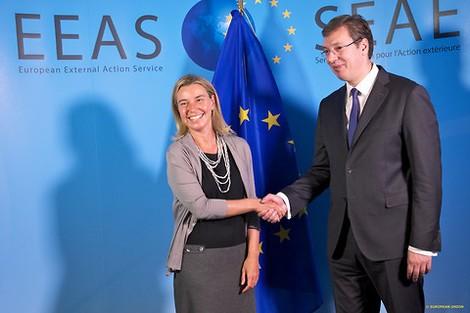 """Serbiens """"Pro-Europa""""-Wahlen und das weiße Medienrauschen"""