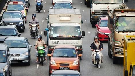 Singapur: Radikale Maßnahme gegen die Autoflut