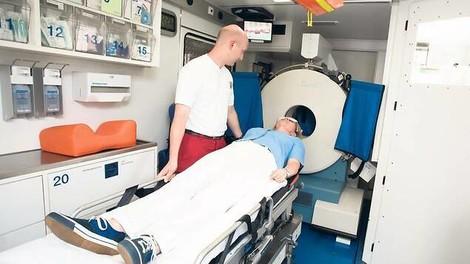 Entladungswellen im Gehirn: Von außen gemessen, könnte es Leben retten