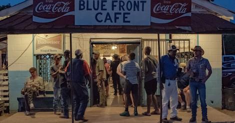 Kleinkinder und Zigarrenraucher - Das Bentonia-Blues-Festival als eine Art alternatives Disneyland.
