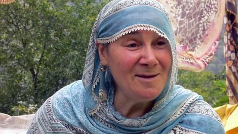 Egü, Ere und die Erdbebenglocke. Ein Porträt zweier Schwestern vom Schwarzen Meer