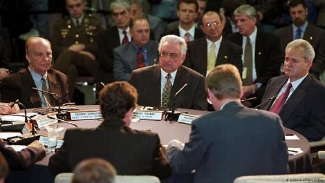 25 Jahre Dayton: Bosnien-Herzegowina, der gescheiterte Staat