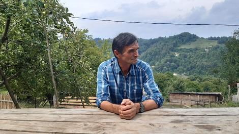 Völkermord in Srebrenica: Der Überlebende, der die Toten sucht