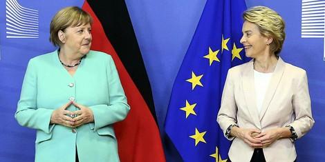 EU-Corona-Politik: Von der Leyen und Merkel unter Druck