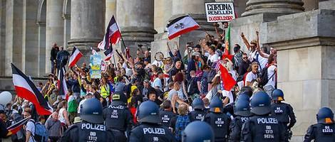 """Ist die """"Querdenken-Bewegung"""" massenkompatibel?"""